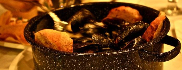 Crab Spot is one of สถานที่ที่บันทึกไว้ของ Akilah.