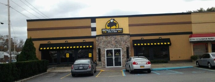 Buffalo Wild Wings is one of To the East of Queens.