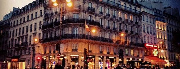 Place Saint-Germain-des-Prés is one of Lugares donde estuve en el exterior.