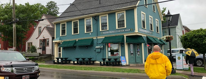 Water Prince Corner Shop is one of Tempat yang Disukai Chris.