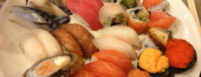 Osaka Japanese Seafood Buffet is one of Orte, die Roxanne gefallen.