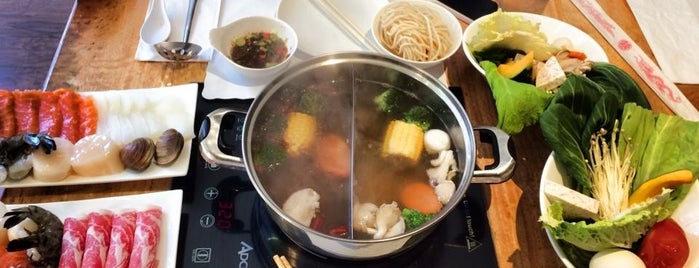 Simply Shabu is one of Chris 님이 좋아한 장소.