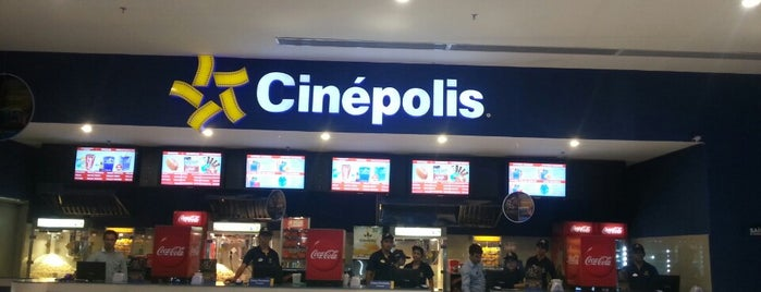 Cinépolis is one of Lugares favoritos de Ricardo Couto.