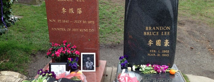 Bruce Lee's Grave is one of Seattle!.