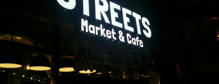 Streets Market & Cafe is one of Melissaさんのお気に入りスポット.