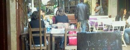 Defne Cafe & Bar is one of Posti che sono piaciuti a trauM.