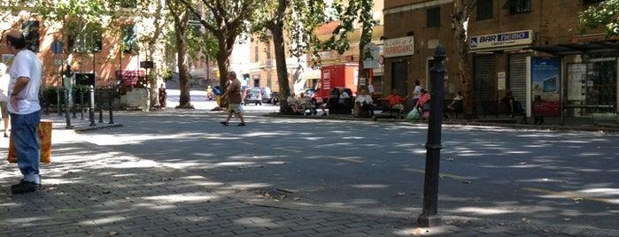 Piazza Francesco Baracca is one of Lieux qui ont plu à Riccardo.