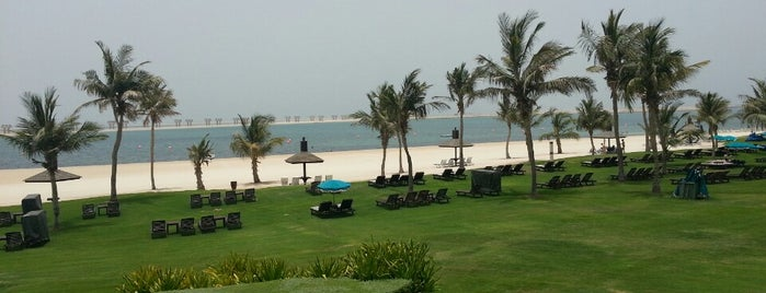 Jebel Ali Golf Resort is one of Orte, die Ashley gefallen.