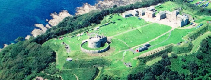 Pendennis Castle is one of Locais curtidos por Carl.
