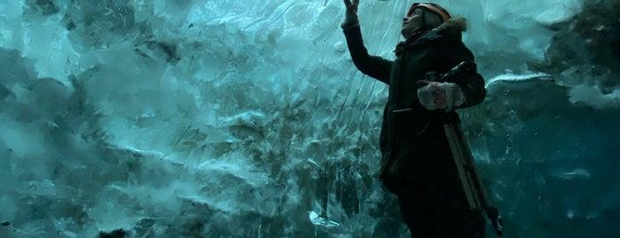 Ice Cave is one of Aisha'nın Beğendiği Mekanlar.