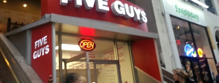 Five Guys is one of Locais curtidos por Mihhail.