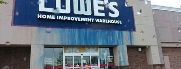 Lowe's Home Improvement is one of Posti che sono piaciuti a Brian.