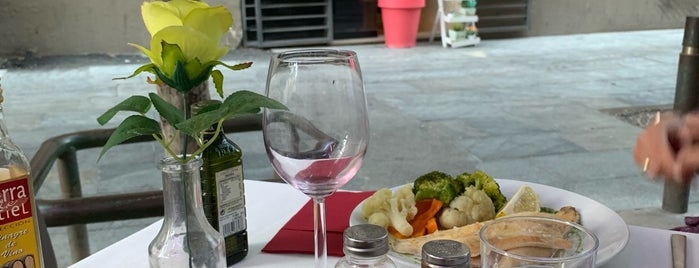 Selene Restaurant is one of A comer y a beber (2).