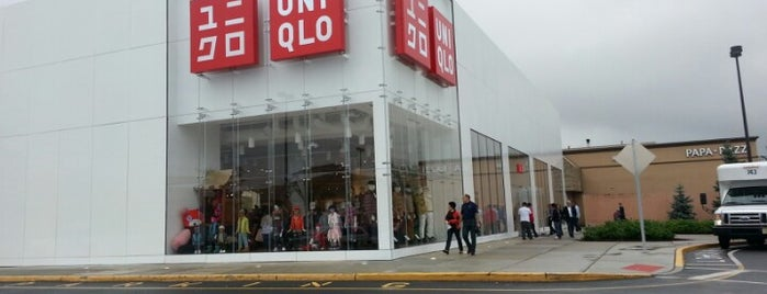 UNIQLO is one of Lieux qui ont plu à Alberto J S.