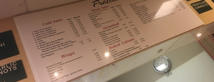 Fratelli's Pizza is one of Lieux sauvegardés par Lizzie.