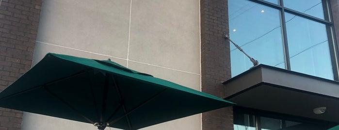 Starbucks is one of Locais curtidos por Howard.