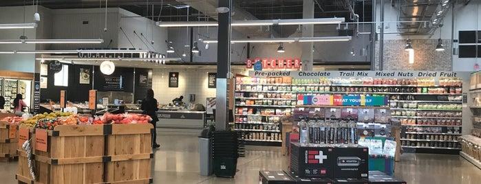 Whole Foods Market is one of Orte, die Christina gefallen.