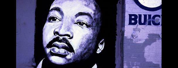 Camilo José Vergara's Photographs of MLK Murals is one of MUNDO À FORA.