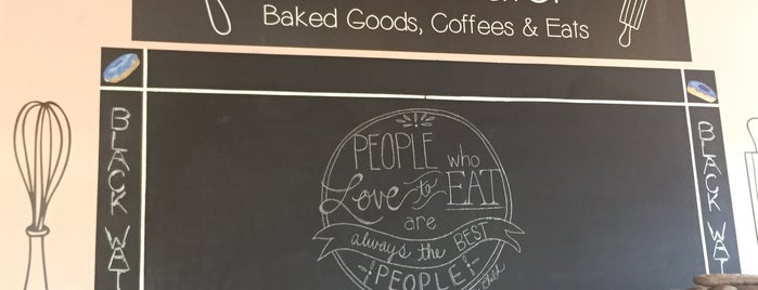 Black Water Baked Goods, Coffees & Eats is one of Lugares favoritos de Cole.
