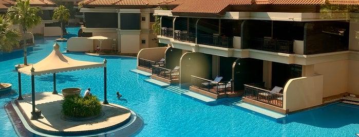 Anantara Swimming Pool is one of Orte, die Yunus gefallen.