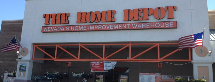 The Home Depot is one of Lieux qui ont plu à Ayşem.
