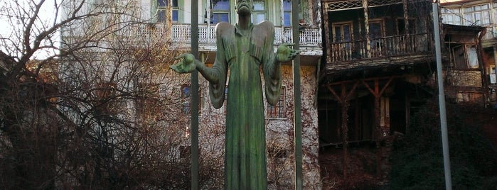 Ietim Gurji Sculpture   იეთიმ გურჯის ძეგლი is one of Places for edit.