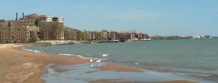 Leone Beach is one of Locais curtidos por George.