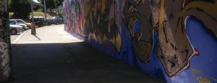 Těšnov Graffiti Wall is one of Gespeicherte Orte von Erdem.