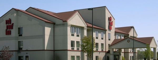 Red Roof Inn South Bend - Mishawaka is one of Lieux qui ont plu à Addie.