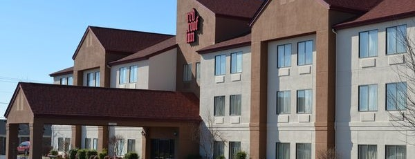 Red Roof Inn Richmond, KY is one of Tempat yang Disukai Cralie.