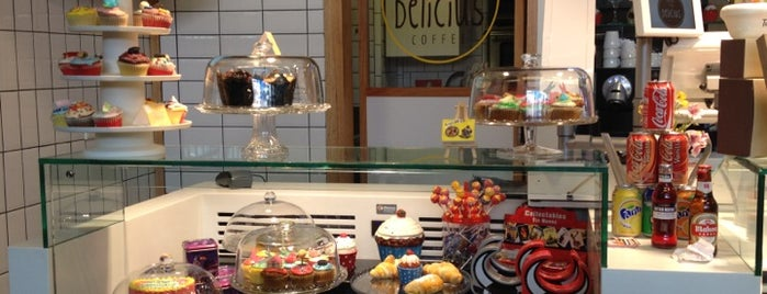 Delicius Coffee is one of Comilona y copeteo en Madrid.