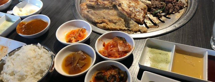 Gen Korean BBQ House is one of Posti che sono piaciuti a Booie.