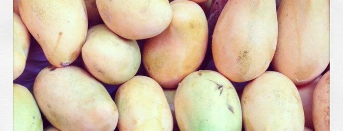 Mercado Sobreruedas La Cruz is one of Disfrutables!!.