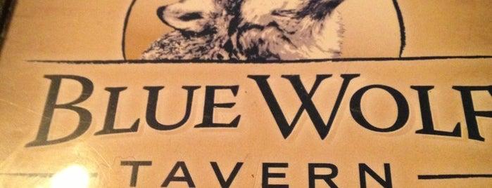 Blue Wolf Tavern is one of Lugares favoritos de Jennifer.