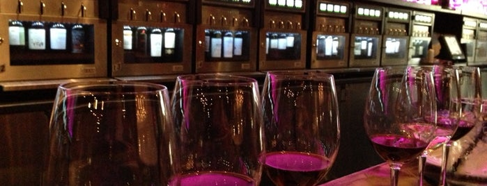 Napa East Wine Lounge & Shop is one of สถานที่ที่ Mark ถูกใจ.