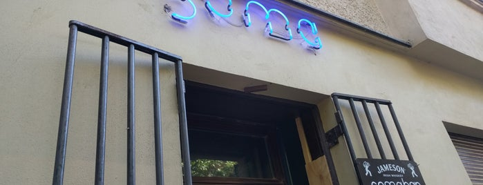 Soma Bar is one of Lugares favoritos de Jon.