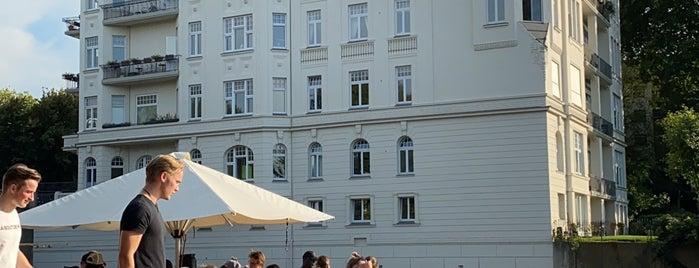 Supper Club Bootsverleih Hamburg is one of Locais curtidos por Jana.