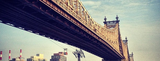 Ed Koch Queensboro Bridge is one of Orte, die Erik gefallen.