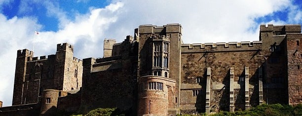 Bamburgh Castle is one of Tempat yang Disukai Carl.