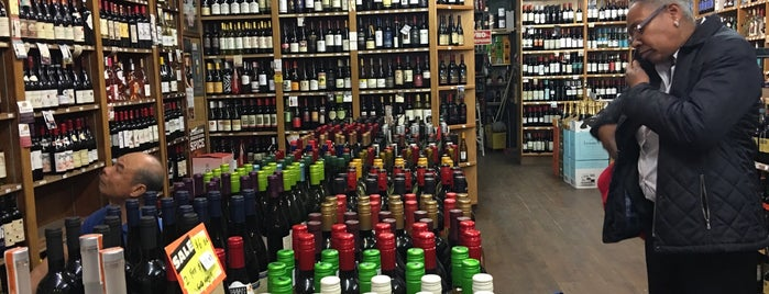 Pratt Wine & Liquor is one of Locais salvos de Caroline.