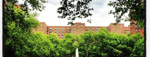 Stuyvesant Oval is one of DINA4NYC.