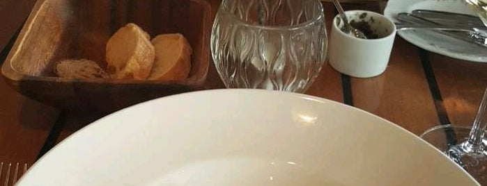 Goldman Restaurant is one of Lugares favoritos de F..
