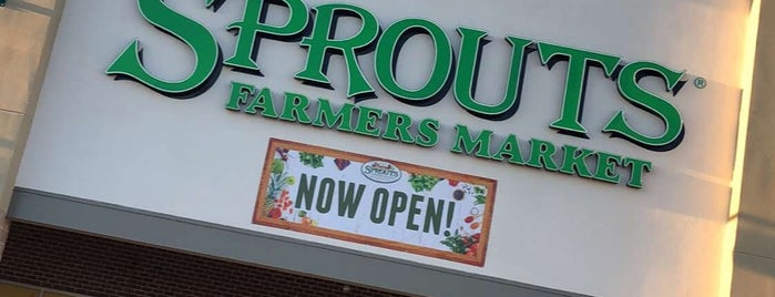 Sprouts Farmers Market is one of Chuck 님이 좋아한 장소.