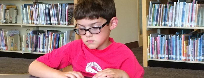 Livingston Library is one of Posti che sono piaciuti a Stuart.