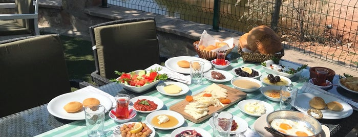 Saklıgöl Restaurant & Cafe is one of Özlem'in Beğendiği Mekanlar.