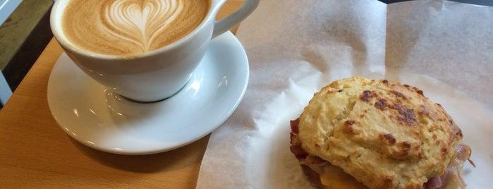 Jubala Village Coffee is one of Lugares favoritos de Joanna.