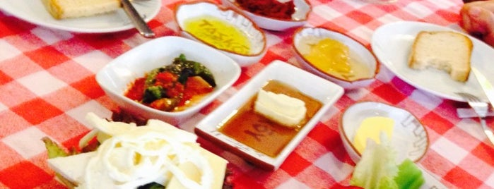Taş Köy is one of İZMİR EATING AND DRINKING GUIDE.