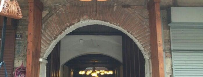 Cem Sultan Bedesteni is one of Orte, die Cüneyt gefallen.