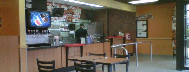 KFC is one of Posti che sono piaciuti a Paco.
