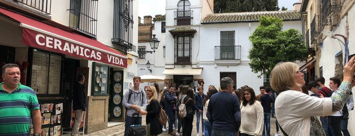 Calle Vida is one of Sevilla.